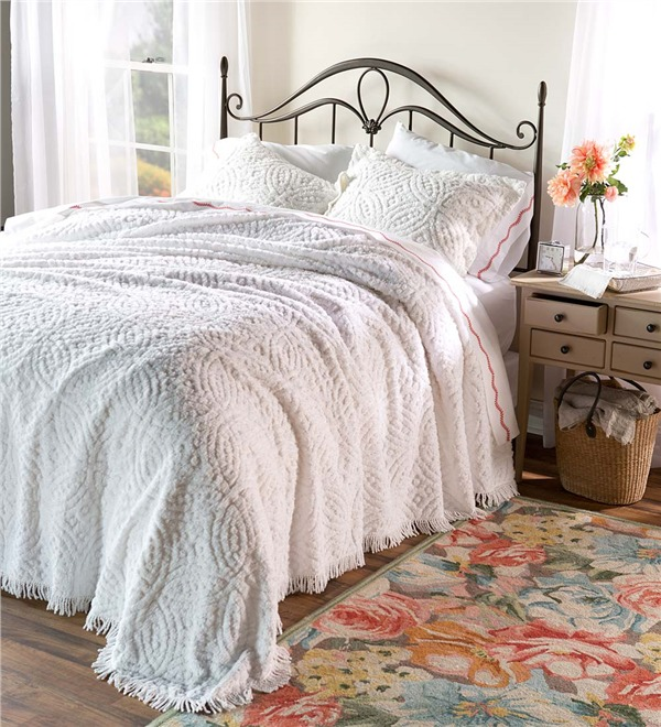Plow and Hearth bed spread